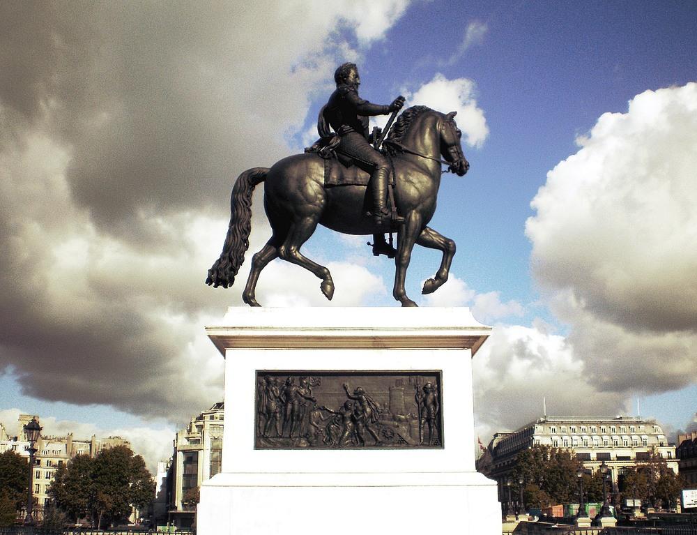 PA250316_Paris_Ier_place_du_Pont-Neuf-statue_Henri_IV-reductwk.JPG