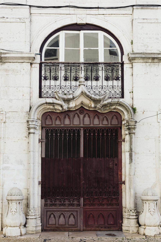 Portugal_Lisbon_Door.jpg
