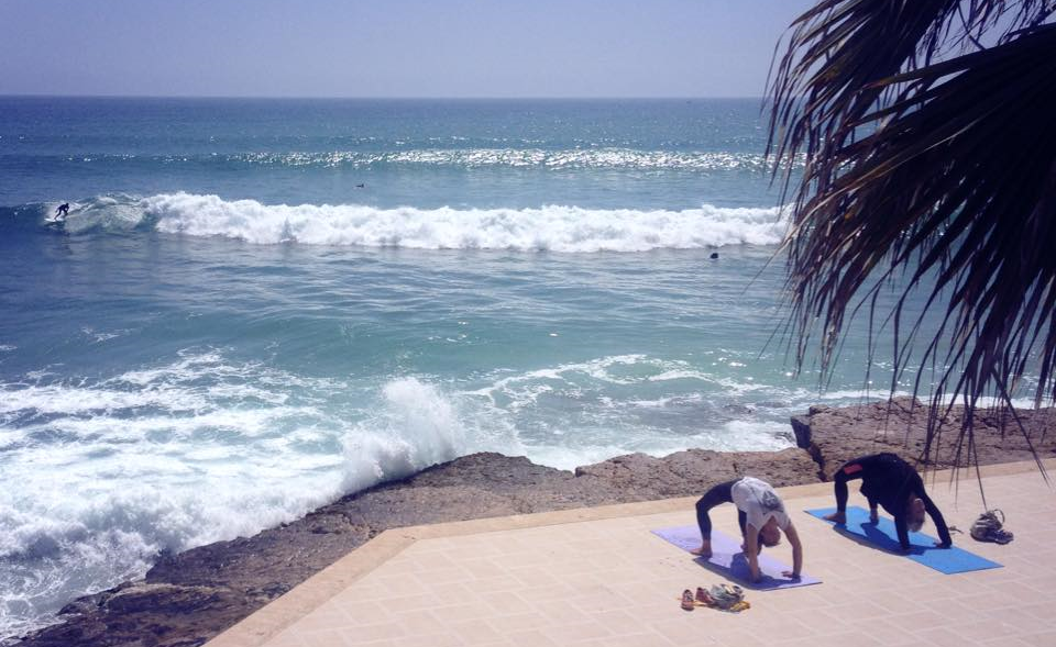 Surfing on the left, yoga on the right. Pure Taghazout style.