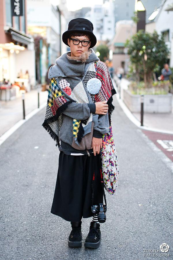 japanese-fashion-man-with-huge-badge.jpg