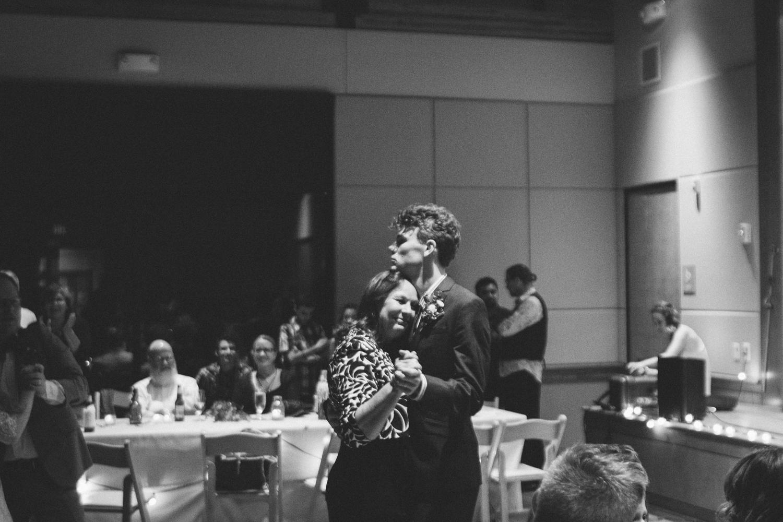 leah gray wedding 15