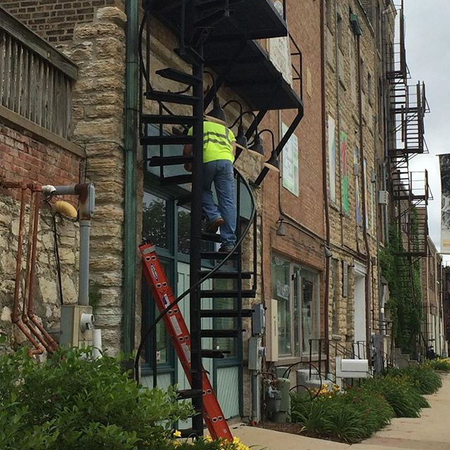 We're getting a #facelift! Beautiful freshly painted trim. #westchicago #westchicagocitymuseum