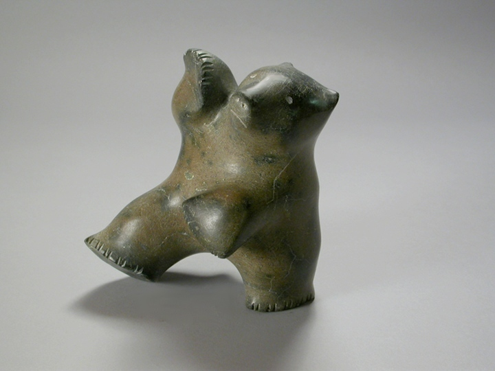 PAUTA SAILA BEAR, mid- to late 1960s Serpentine H9 x W8.5 x D6 in. © Marion Scott Gallery