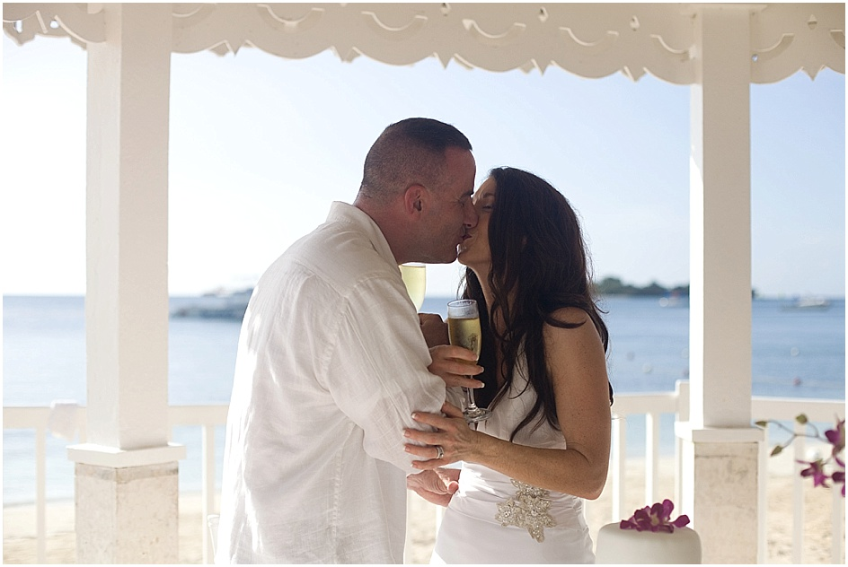laura_mark_sandals_negril_jamaica_wedding_20