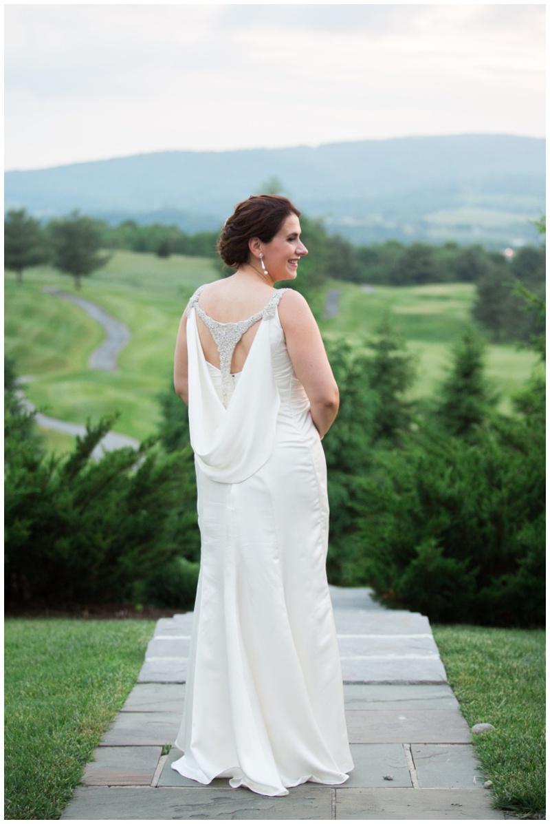 bethany-grace-photography-maryland-elegant-summer-wedding-musket-ridge-catoctin-hall_0009.jpg