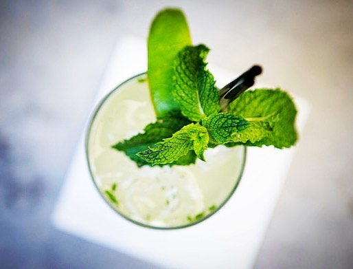 If you haven't tried Andrew's Green Tea Mojito yet then we strongly advise doing so. Music by Harry Skelter at 8. . . . 📷 by @katanarae