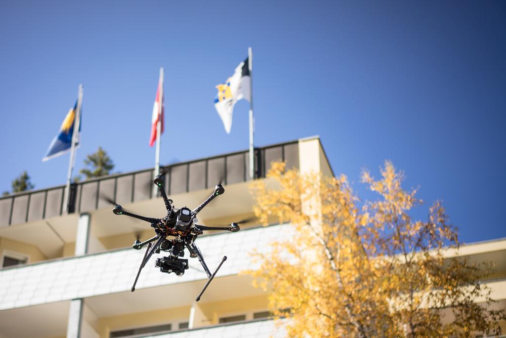 Technik die Begeistert! Unsere Videocopter zeigen Ihren Betrieb aus der Vogelperspektive und im besten Licht. Mehr→