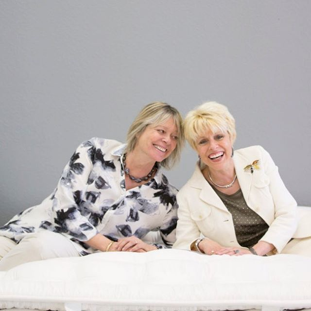 Mary and Sharon are two of the best in the industry. @sleepanddreamluxury and they carry V&R Naturals. A great article on them at http://taostyle.net/2018/06/mattress-mary-dreams-big/.