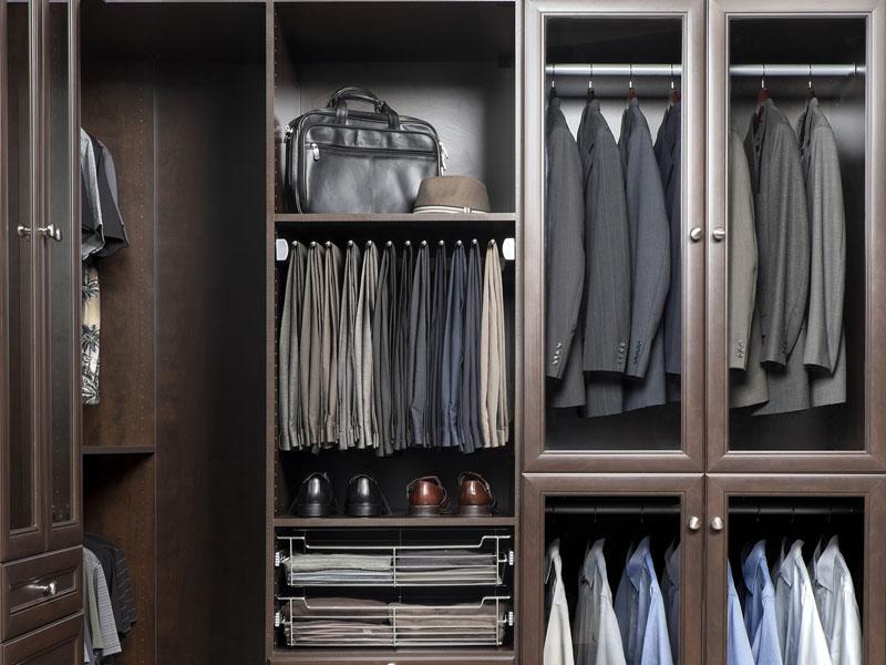 gentlemans-walk-in-closet-chocolate-pear-finish-img-1b.jpg