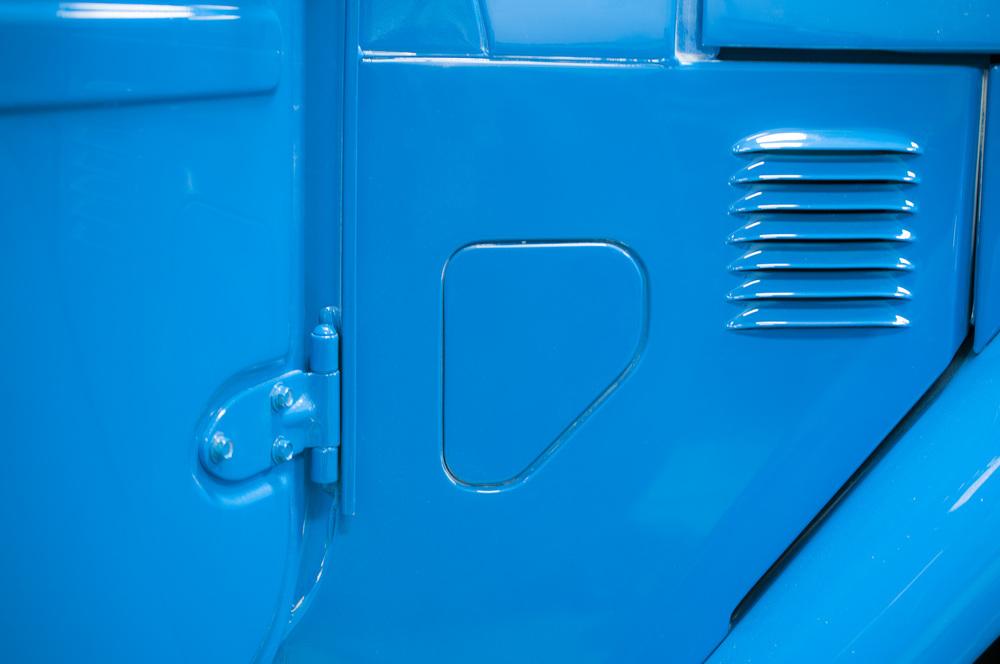 paint-blue-toyota_01.jpg