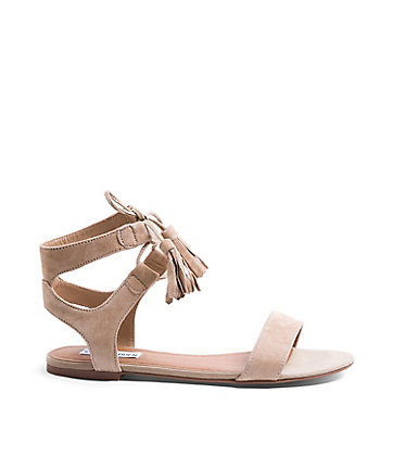 http://www.stevemadden.ca/product/WHATS-NEW/Womens/DANICA/pc/3817/sc/3859/238802.uts?selectedColor=NATURAL-SUEDE