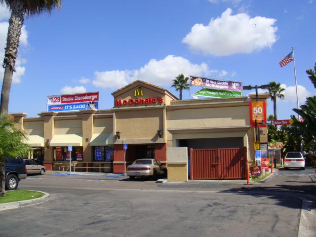 Las Palmas Shopping Center_Page_1_Image_0003.jpg