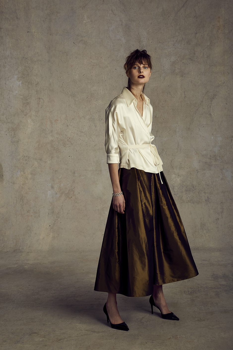 MARKUS JACKET   CREPE BACK SILK SATIN      DARIA SKIRT   SILK TAFFETA      Contact for inquiry
