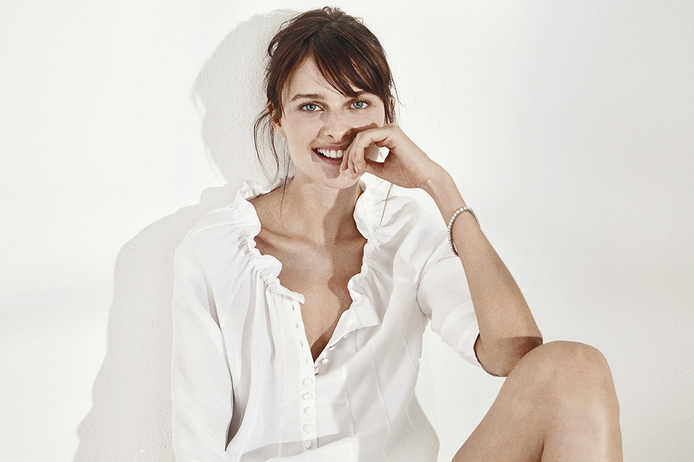 KACI BLOUSE   2-PLY SILK CREPE     NIXON SHORTS   WASHED LINEN     MEREDITH BRACELET PLATINUM   9.87 CT OF DIAMONDS     Contact for inquiry