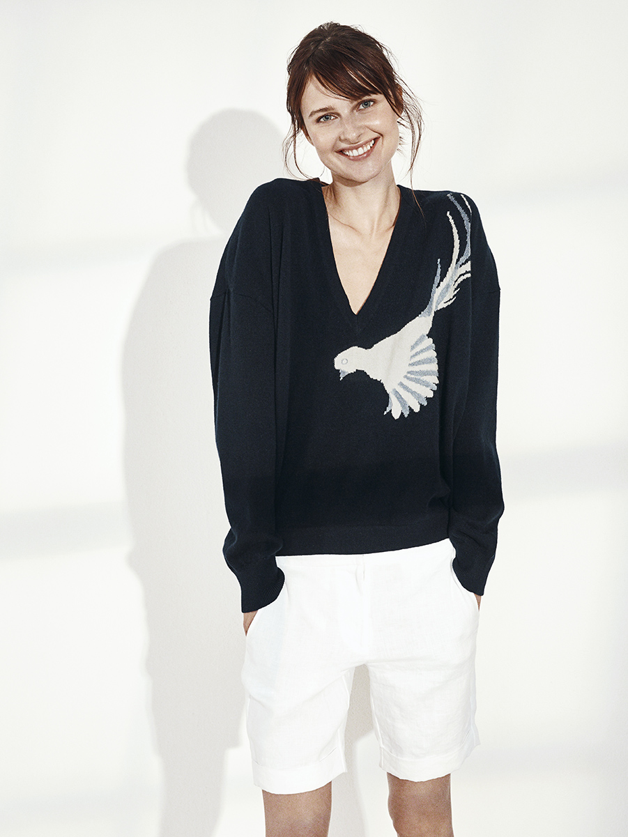 PATRICIA SWEATER WITH BIRD   KNIT CASHMERE     NIXON SHORTS   WASHED LINEN     Contact for inquiry