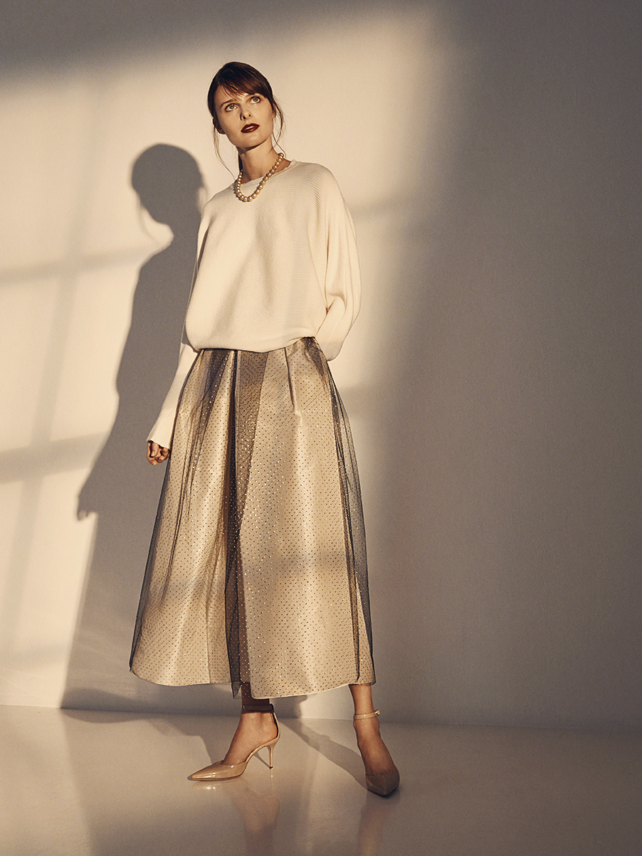 LEAH SWEATER   KNIT CASHMERE     DARIA TULLE SKIRT   SILK TAFFETA TULLE     ISABELLE NECKLACE   14K YELLOW GOLD CLASP  SOUTH SEA PEARLS     Contact for inquiry