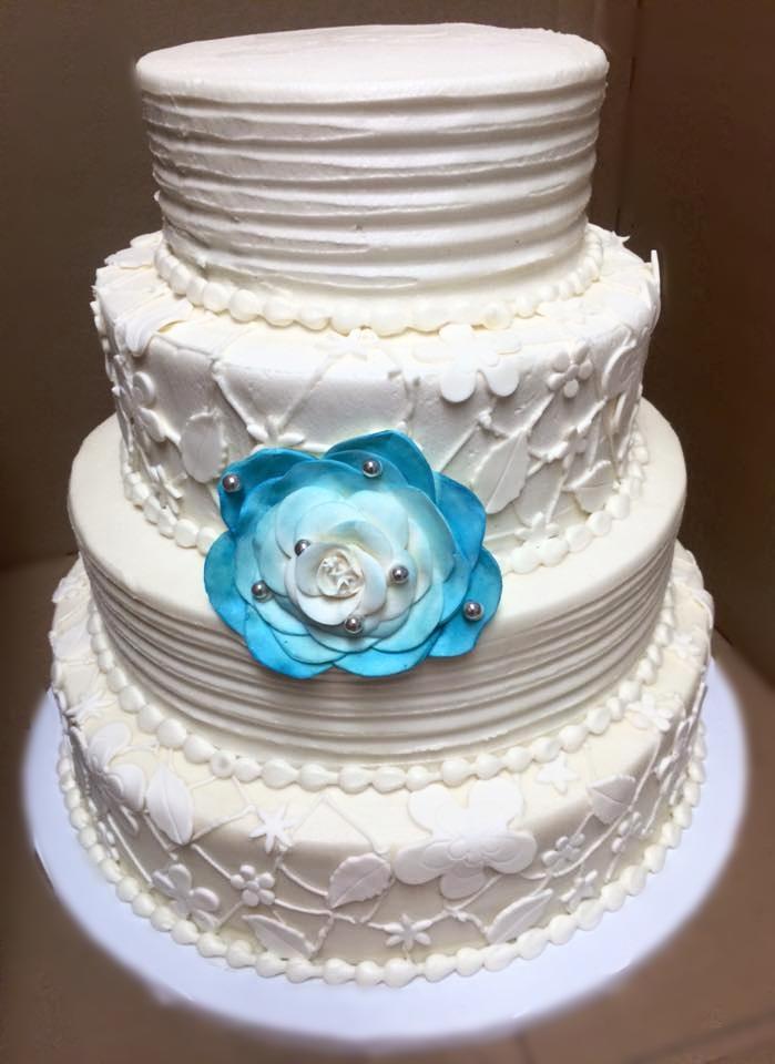 v wedding cake 2.jpg