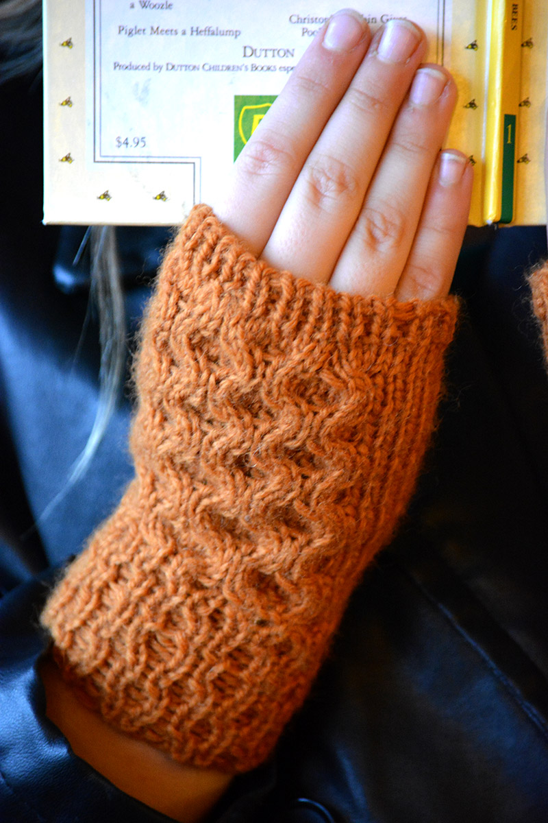 The Honey Tree Fingerless Mitten knitting pattern