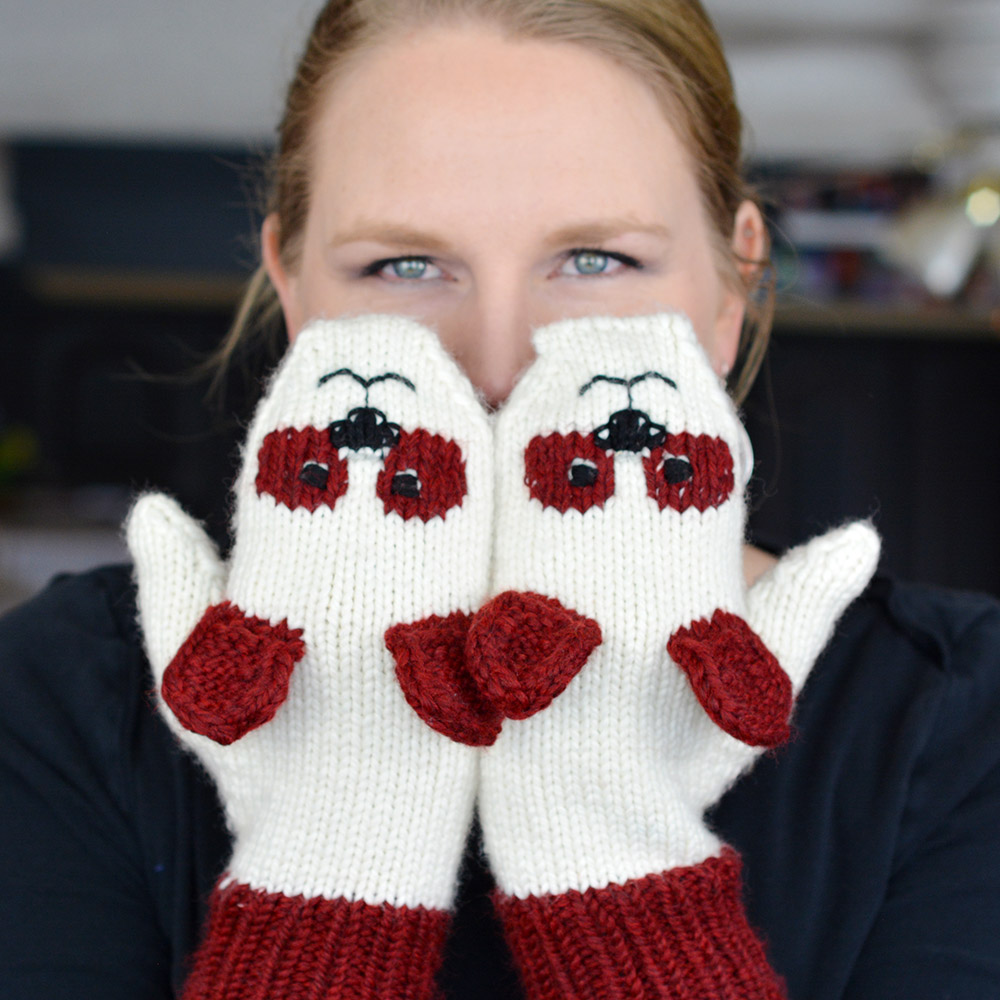 Cute, Cuddly Panda Mittens from www.mysecretwish.ca