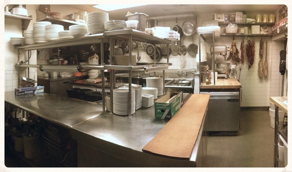 Kitchen wide angle.JPG