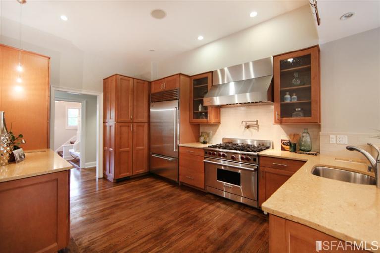 736 Castro - Kitchen.jpg
