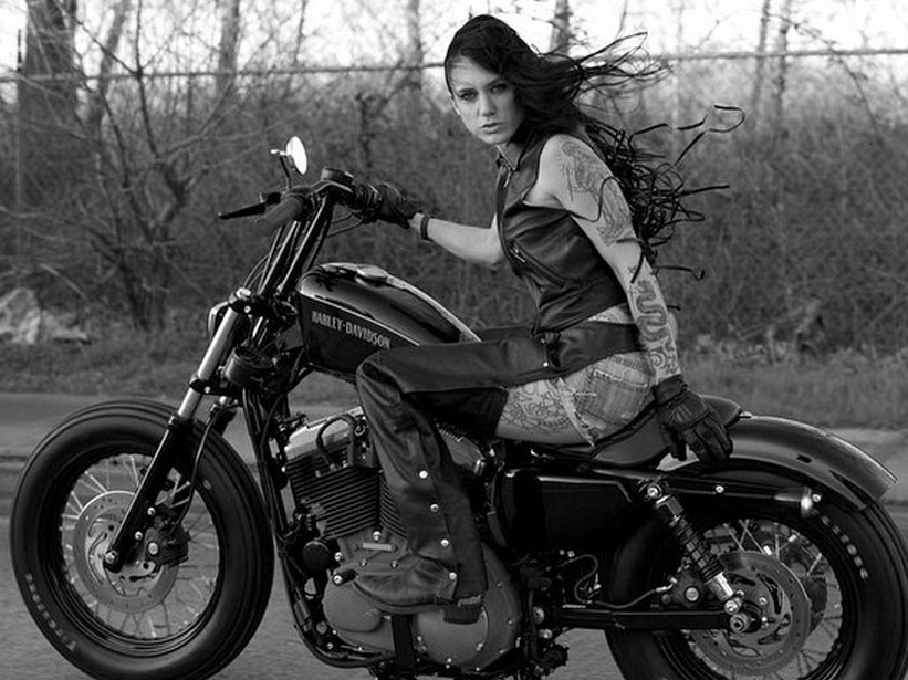 meet-the-biker-babes-of-instagram--a-fearless-crew-of-young-female-motorcyclists.png