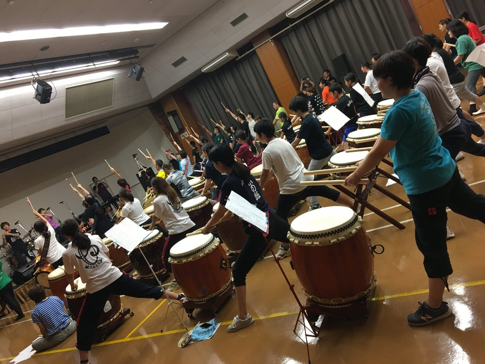 Visit taiko rehearsal for collaboration Festival by various local taiko groups