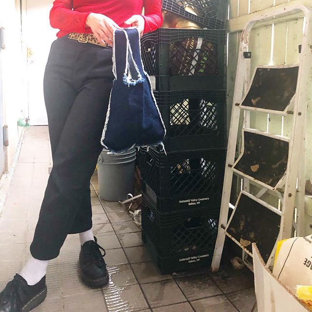 Lil denim doohickey¯\_(ツ)_/¯ . . . . . . . . #funbags #denimbag #instafashion  #slowfashionmovement #fashion #stylish #slowfashion #fashionstyle #wristlet #reusable #bagcrush #smallbiz #smallbusiness #accessories  #handmade #handmadeisbetter #madeinbrooklyn #softgrunge #bagbagbag #bag #shop #nyc #brooklyn #madeinnyc #smallbiz #artistsofinstagram #makersgonnamake #reusablebags