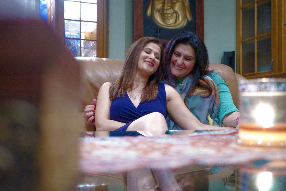 Sindu Singh (Roma) and Rita Bhatia (Sumitra)