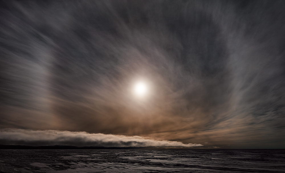 MURRAY FREDERICKS     Icesheet #2564, late sun with 22˚ halo  2013 digital pigment print, edition of 7 120 x 198 cm