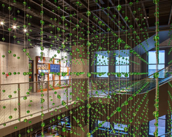 NIKE SAVVAS     Epic 8000 , San Francisco Nike Town store 2013 glass and steel wire 600 x 336 cm