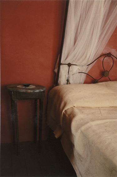 ANNE ZAHALKA   Haefliger Cottage, Interior #2    2010 Type C Photograph   30 x 20 cm