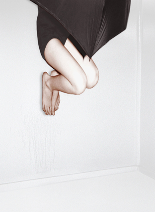 PAT BRASSINGTON   Singing in the Rain  2007 Pigment Print edition of 8 63 x 86 cm