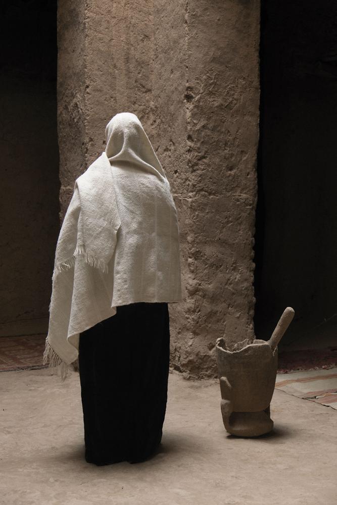 ANNE ZAHALKA     Untitled (figure/pillar)  2015 Pigment ink on rag paper 100 x 66.5 cm