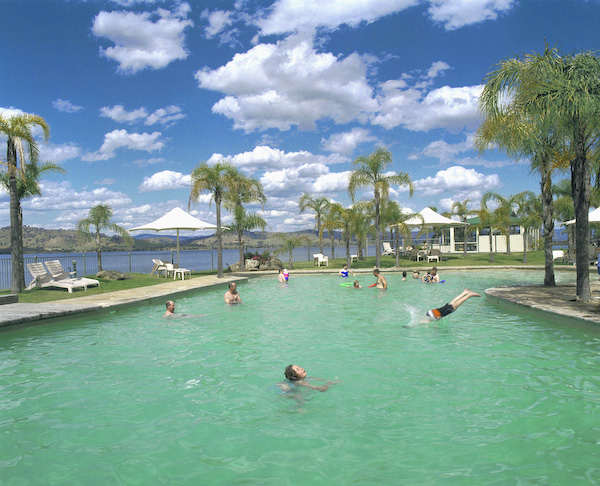 ANNE ZAHALKA   Lake Hume Resort, Albury  Type C print 115 x 145cm