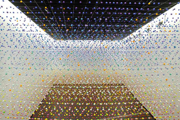 NIKE SAVVAS   Atomic: Full of Love, Full of Wonder  Installation view 2005
