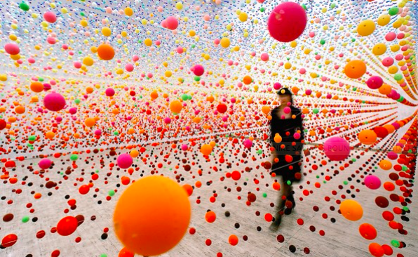 NIKE SAVVAS   Atomic: Full of Love, Full of Wonder  Installation view 2005