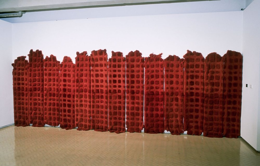 MARIA FERNANDA CARDOSO   Sheep (orange)/ Ovejas (anaranjado)  2002 Installation view