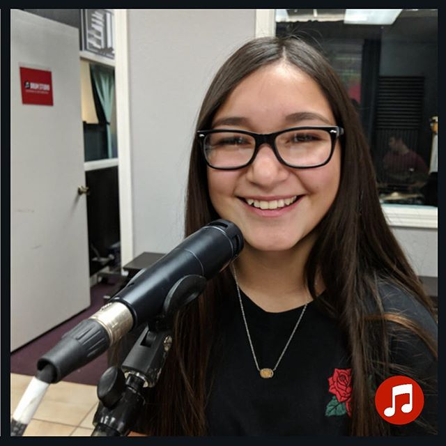 We have amazing vocalist at our Music School! They have the brightest smiles, biggest hearts, and incredible talent that we get to help coach! * * * Meet one of our Lead Vocalist at The End of the Trail Half Marathon here in Downtown Visalia on February 23rd!!! She will be performing in the band Connect 5! #visaliamusicschool #vms #visalia #musiclessons #livemusic #visaliamusic #running #sports #music #united #youth #community #musiceducation #centralvalley #grow #connect #learn