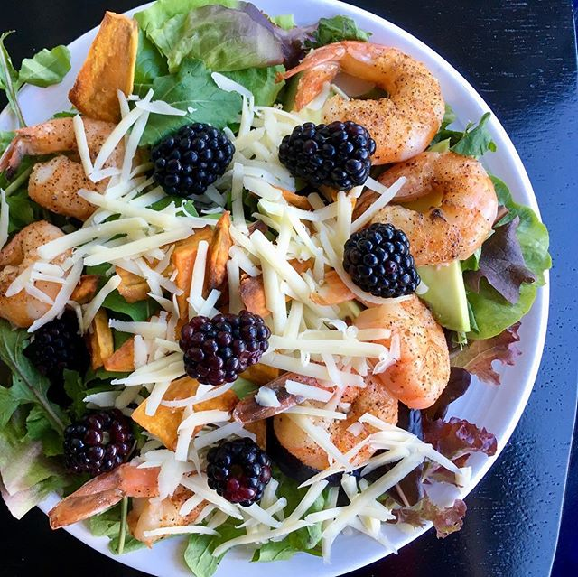 My incredible summer of salads hasn't ended yet... we eat well while hard at work here at the Oliver Weston Co! Wild caught shrimp, local salad greens and arugula, blackberries, avocado, raw cheese, and Balsamic vinaigrette. #oliverwestonco #chefhannahspringer #salad #gorgeousgreens