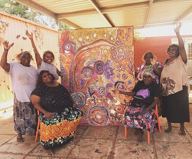 Good times for Saturday Studio at Kaltjiti Arts!!! ❤️❤️❤️ Senior women of Fregon community and their latest collaborative. ❤️❤️❤️ #continuingourstory #keepingculturestrong