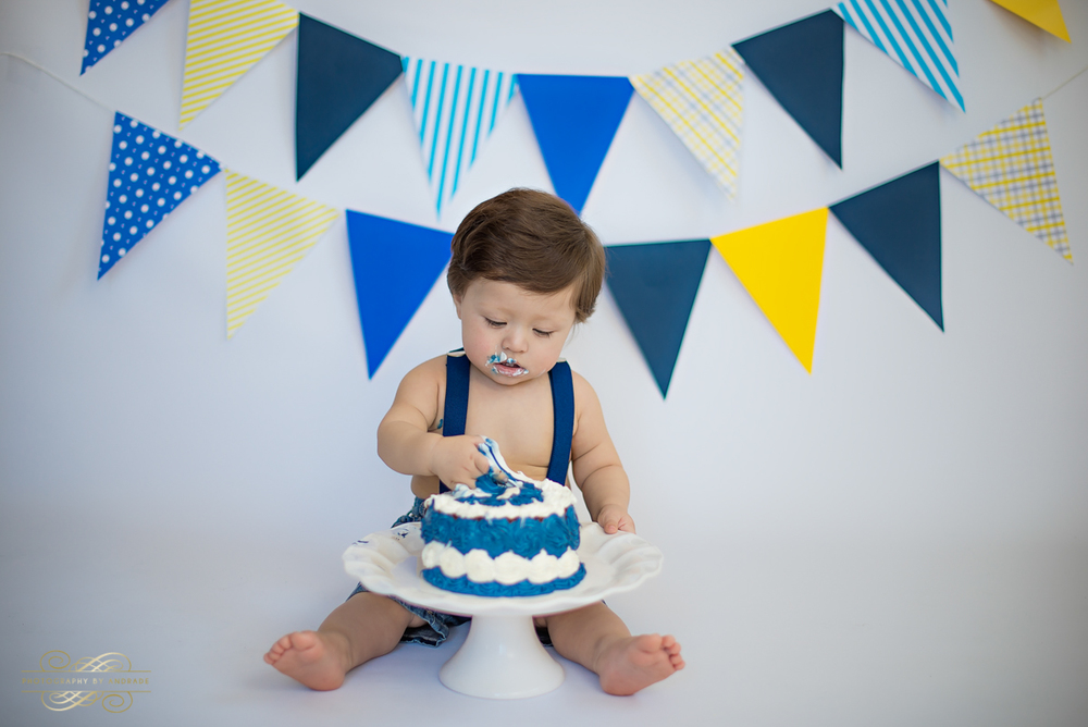 Photography by andrade Chicago Birthday Cake Smash Photography session-13.jpg