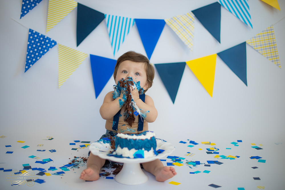 Photography by andrade Chicago Birthday Cake Smash Photography session-19.jpg