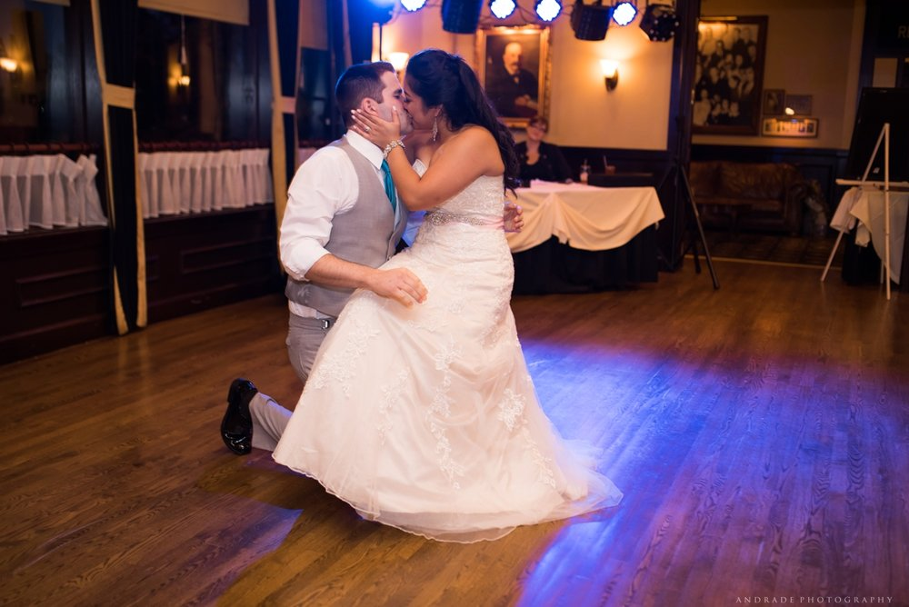 Naperville Wedding Photographer _ Maggianos Little Italy Wedding_0055.jpg