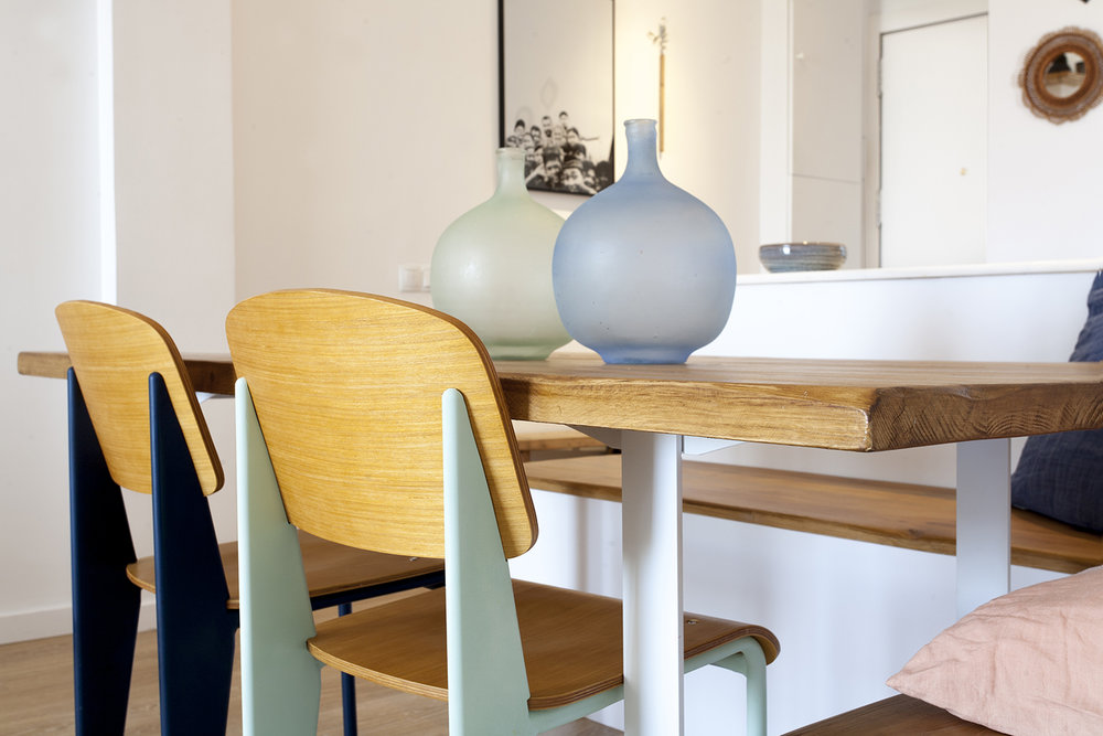 SOLID WOOD TABLE - Table of 170x100cm with extension.