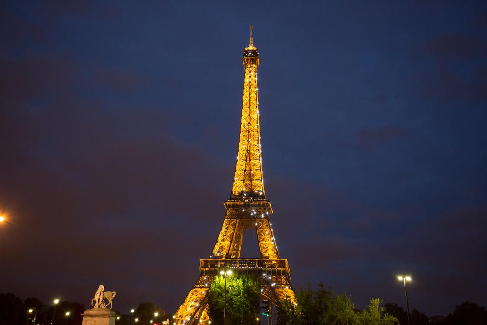 浪漫的巴黎鐵塔 - 點我看作品