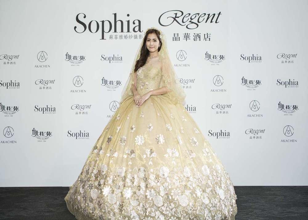 任容萱著Sophia蘇菲雅百萬鉑金婚紗