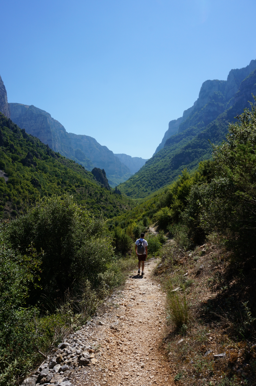 vikos gorge path