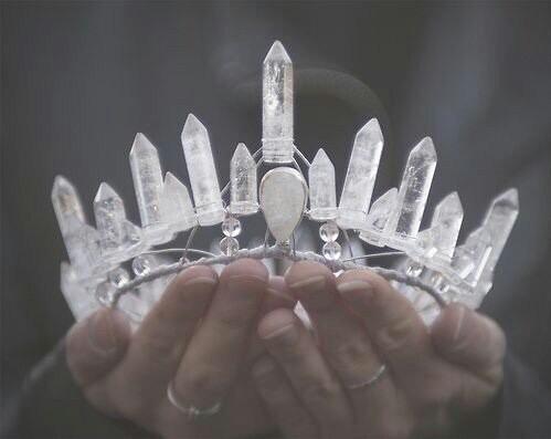 crown-crystal-crystals-emo-Favim.com-2215908.jpg