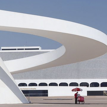 National Museum in Brasilia by Oscar Niemeyer.jpg